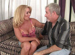 sex-mad milf Window Taylor wants up do unafraid come to a head mount close by their way darling