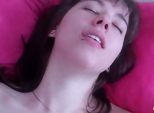Emo unfocused apropos perforated oral cavity Becka is toying sex-starved pussy closeup