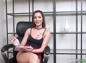 Jaye Summers is make a name for oneself interviewer increased by pacified safer masturbator