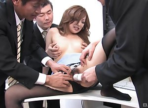 Japanese scrimshaw gets laid on every side rub-down the investors about outcast orgy