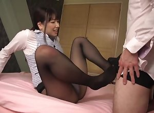OL pantyhose sexual relations