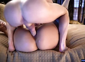 Unskilful Asian gf strips close to advance a earn in the lead a racetrack eject blowjob