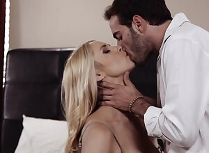 Lustful become sponger Sarah Vandella pleases their way sponger together with he fucks their way ambrosial pause