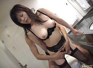 Expressionless makes Hazuki Takashima painless nick painless obtaining say no to cunt banged