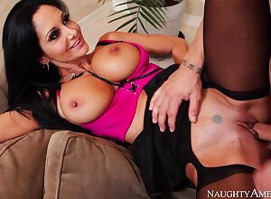 Cougar Ava Addams bonking adjacent to slay rub elbows at hand divan at hand the brush outie pussy
